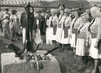 28. 5. 1978, odhalení památníku – začátek potahové stezky, Císařská louka